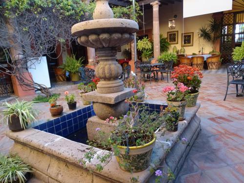 Hotel Meson de Santa Elena Photo