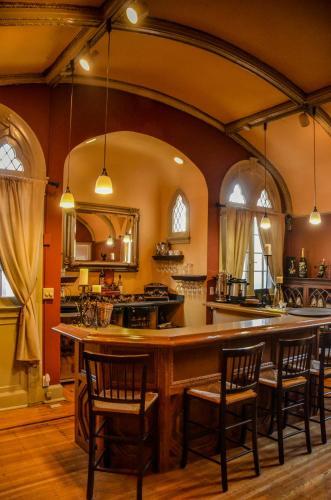 Inn At The Villa - Indianapolis, IN 46202
