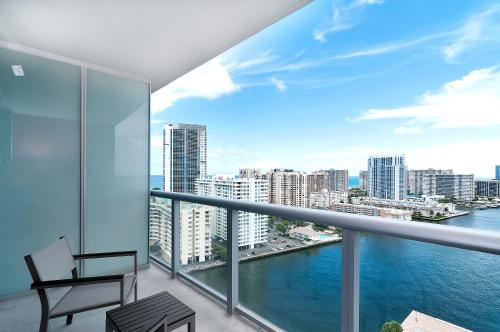 Beachwalk Resort By Sofla Vacations - Hollywood, FL 33009