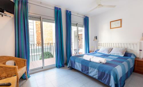 Hola Sitges Apartments photo 3
