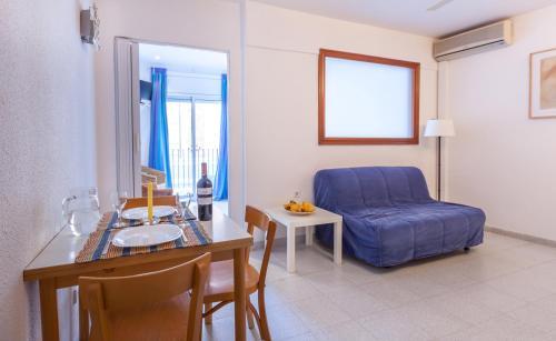 Hola Sitges Apartments photo 4