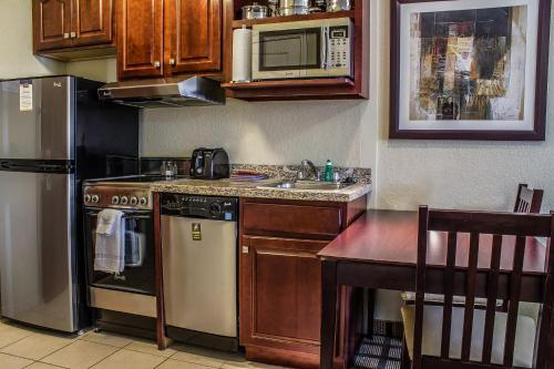 MainStay Suites Coralville Photo