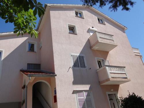 Apartments Badurina 2820