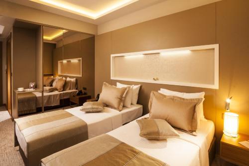 Elara Hotel, Izmir