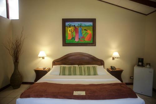 Hotel Playa Espadilla Photo