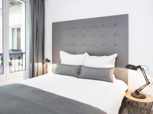 Luxury 3 Bedroom Le Marais photo 7