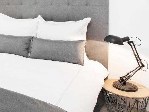 Luxury 3 Bedroom Le Marais photo 8