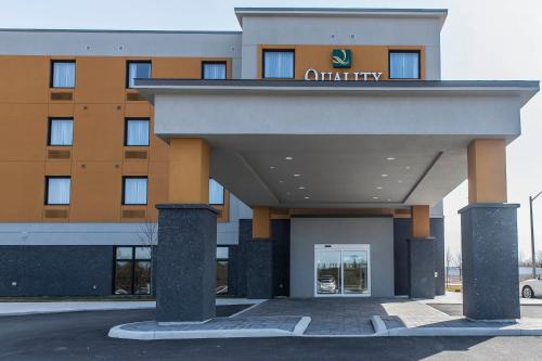 Quality Inn & Suites Kingston - Kingston, ON K7P 0K4