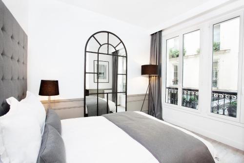 Luxury 3 Bedroom Le Marais photo 24