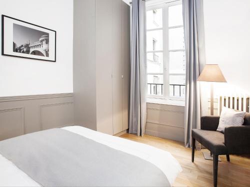 Luxury 2 Bedroom Le Marais photo 34