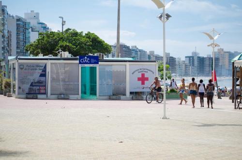 Apê LUXO 25m do mar Wifi Netflix AR nos quartos Photo