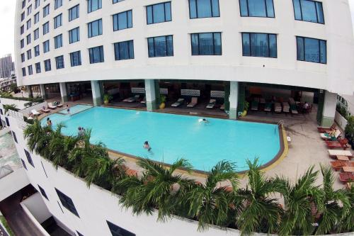 Golden Tulip Sovereign Hotel Bangkok photo 43