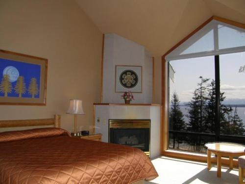Tsa-Kwa-Luten Lodge Photo