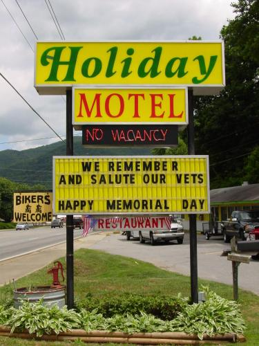 A Holiday Motel - Maggie Valley Photo