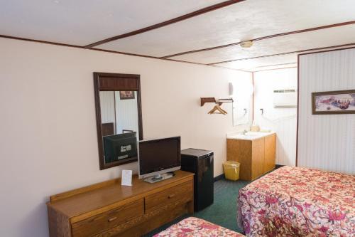 Dutch Treat Motel - Ronks, PA 17572