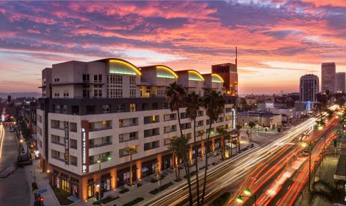 Global Luxury Suites at Wilshire Photo