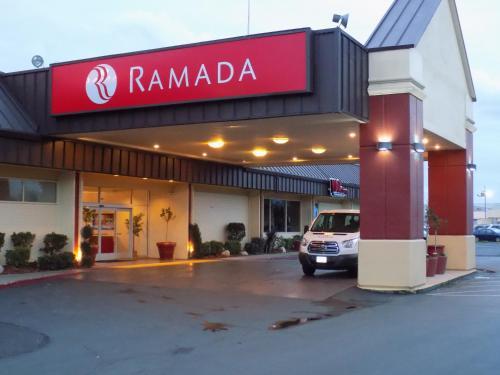 Ramada Sacramento Photo