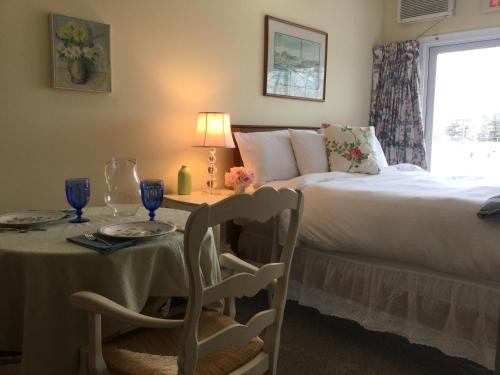 The Beach Rose Inn Photo