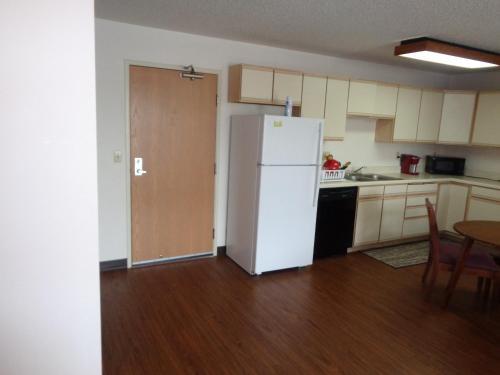 KRB Apartments Civic Center Photo