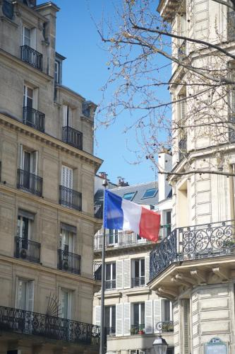 Marvellous Sunbathed 3BR at the heart of Paris photo 38