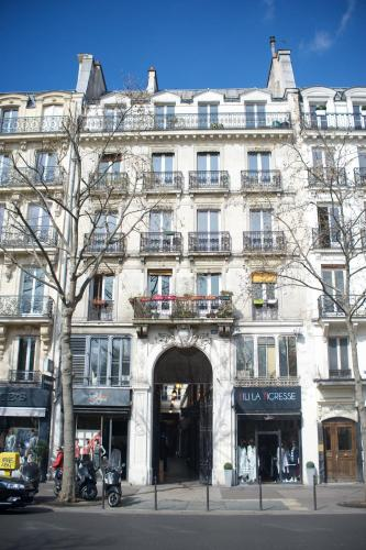 Marvellous Sunbathed 3BR at the heart of Paris photo 44