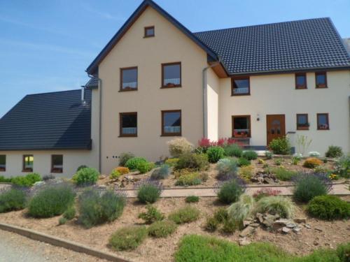 Holiday Home Grosse Holzheimer Hütte