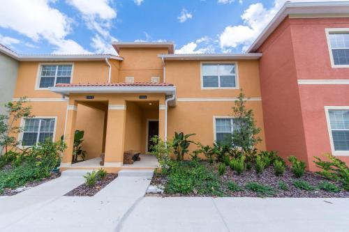 Dora - Paradise Palms - Kissimmee, FL 34747