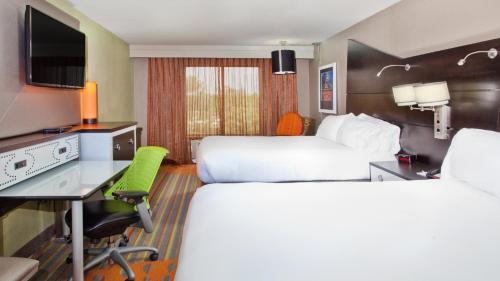Holiday Inn Express Atlanta Nw - Galleria Area - Atlanta, GA 30080