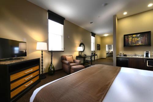 Hotel Maison - Yakima, WA 98101