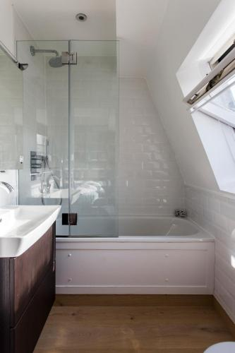 Hotel Onefinestay - Westbourne Grove Private Homes thumb-2