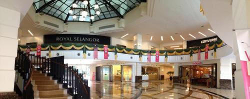 HotelIsland Plaza 118 Luxury Suites