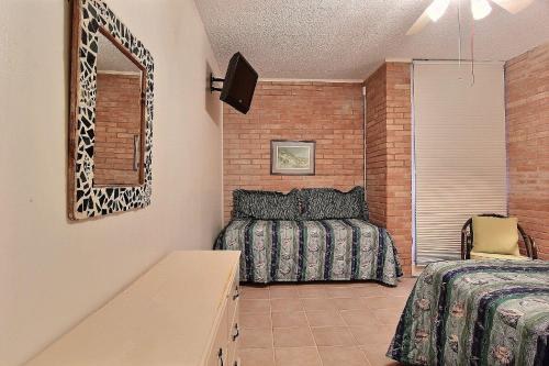 Channelview 206 Photo