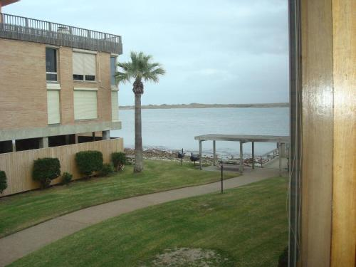 Channelview 104 Photo