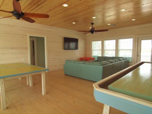Beach Club (Clubhouse 4) Photo