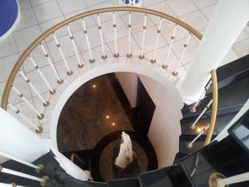 Bread & Barrel Palazzo Blouberg Photo