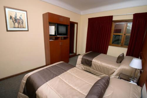 Hotel San Antonio Abad Photo