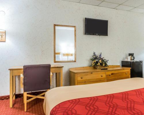 Econo Lodge Stewart International Airport Photo