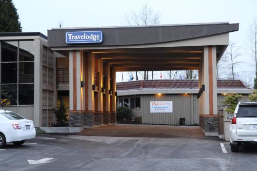 Lions Gate Travelodge Photo