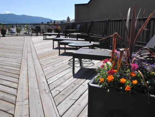 Prestige Hotel Vernon - Vernon, BC V1T 9G8