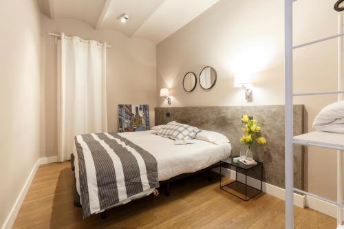 AinB Eixample-Miro Apartments photo 14