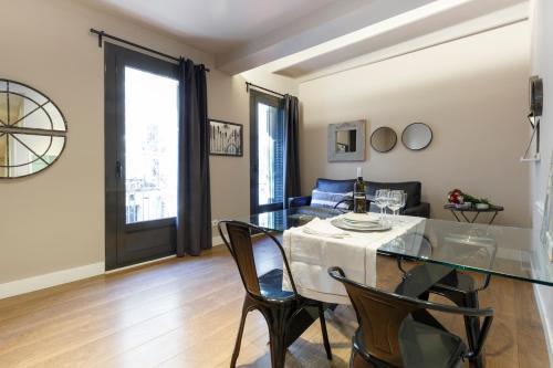 AinB Eixample-Miro Apartments photo 20