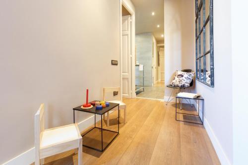 AinB Eixample-Miro Apartments photo 39