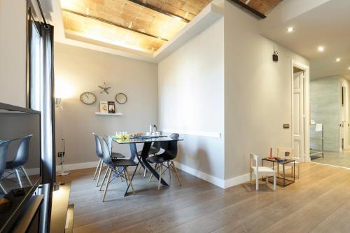 AinB Eixample-Miro Apartments photo 42