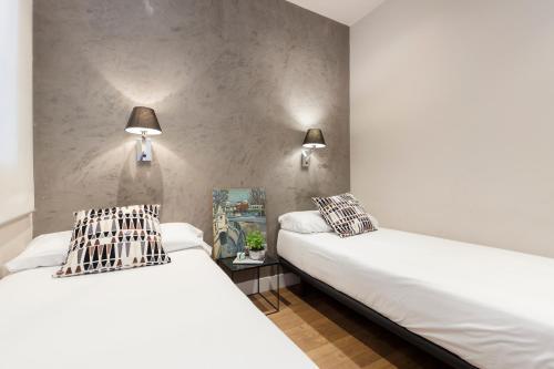 AinB Eixample-Miro Apartments photo 47