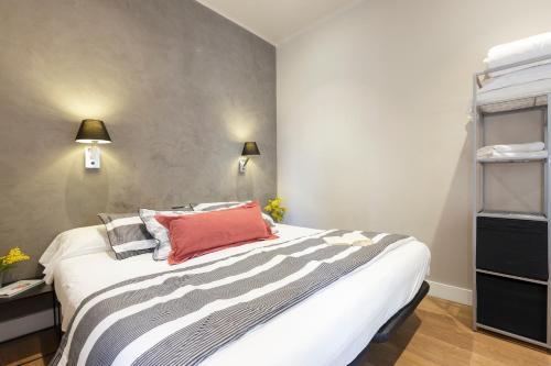 AinB Eixample-Miro Apartments photo 48