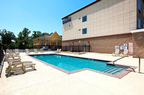 Baymont Inn and Suites Savannah South Photo