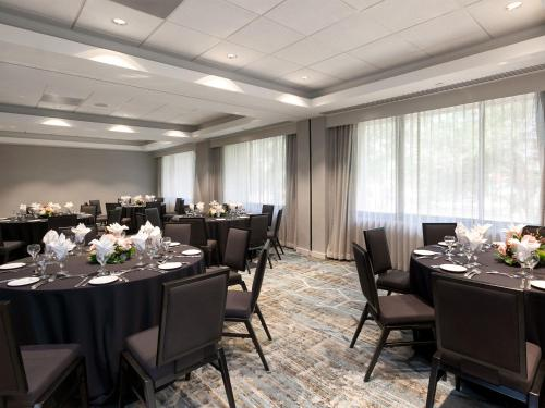 DoubleTree Suites by Hilton Houston by the Galleria photo 14