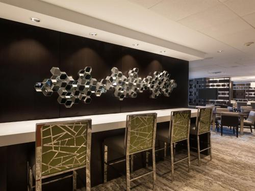 DoubleTree Suites by Hilton Houston by the Galleria photo 17