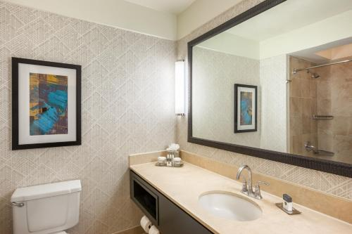 DoubleTree Suites by Hilton Houston by the Galleria photo 26