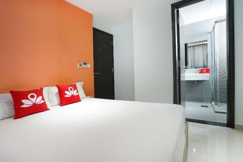 ZEN Rooms Evergreen Residence photo 12